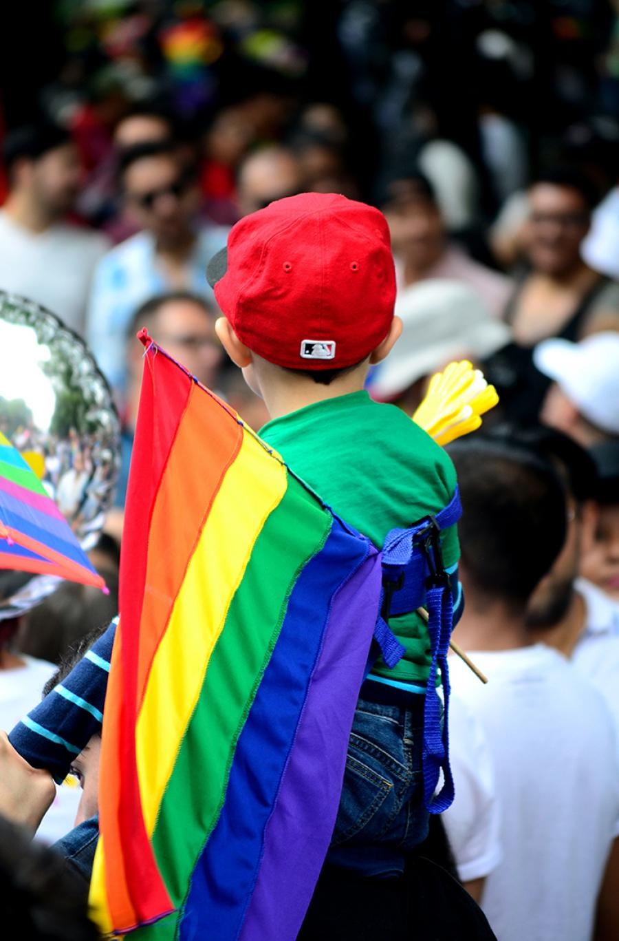Regnbue-paraplyen dækker over mange, mange forskellige mennesker, familieformer, seksualiteter og familieformer.