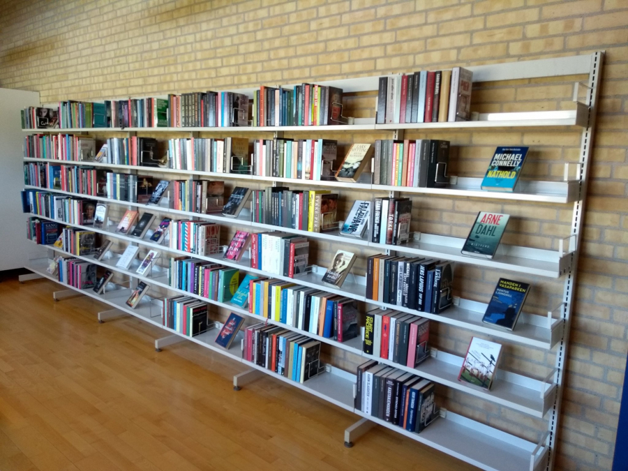 Reol på Vrå Bibliotek